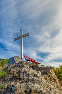Germany, Rhineland-Palatinate, Altenahr, Ahr Valley, red bench and white summit cross - FRF00723