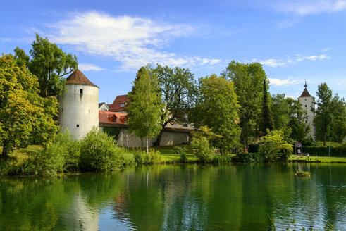 Germany, Baden-Wuerttemberg, Isny, park at kurhaus with city wall - LBF02102