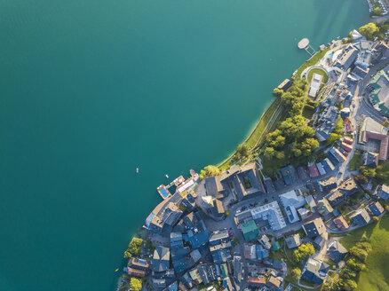 Austria, Salzkammergut, Sankt Wolfgang, Aerial view of Lake Wolfgangsee - JUNF01280