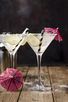Two glasses of Margherita cocktail with lime slices - SBDF03746