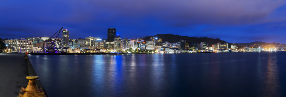 New Zealand, North Island, Wellington, Harbour, Panoramic view in the evening - MKFF00435
