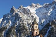 Germany, Bavarian Alps, Bavaria, Upper Bavaria, Werdenfelser Land, Karwendel Mountains, Mittenwald, Church of Saint Peter and Paul - LHF00589