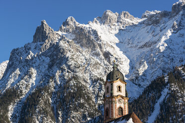 Germany, Bavarian Alps, Bavaria, Upper Bavaria, Werdenfelser Land, Karwendel Mountains, Mittenwald, Church of Saint Peter and Paul - LHF00589