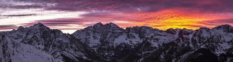 Scenic panorama of Maroon Bells at moody dusk, Aspen, Colorado, USA - AURF07554