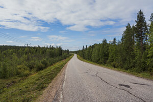 Finland, Lapland, empty country road - KKAF02077
