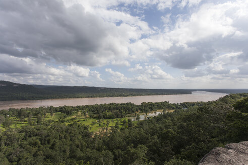 Thailand, Ubon Ratchathani Province, Pha Taem National Park, View to Mekong river, border to Laos - ZCF00671