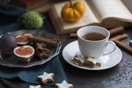 Cup of tea and cinnamon stars - JUNF01396