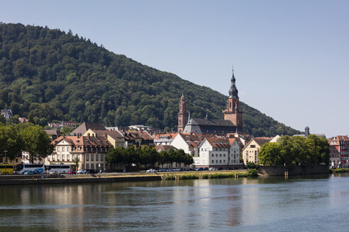 Germany, Baden-Wuerttemberg, Heidelberg, Neckar river, city view with Church of the Holy Spirit - WIF03629