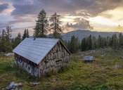 Austria, Ausseer Land, Wooden huts in the mountains - HAMF00391
