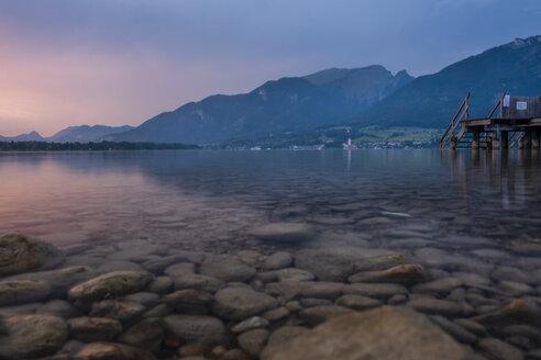 Austria, Salzkammergut, Mondsee at sunset - HAMF00426