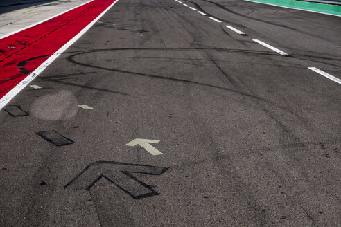 Markings and skidmarks on racetrack - HAMF00432