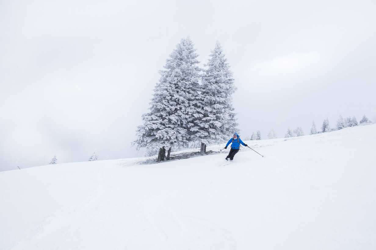 Austria, Salzburg State, Osterhorn Group, skier - HAMF00447 - Hans Mitterer/Westend61
