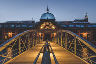 Germany, Hamburg, Altona, fish market hall at blue hour - KEBF00948