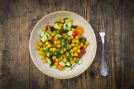Chick pea salad with curcuma, roasted chick pea, cucumber, tomato and parsley - LVF07471