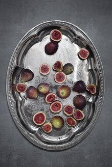 Fresh organic figs on silver tray - CZF00332