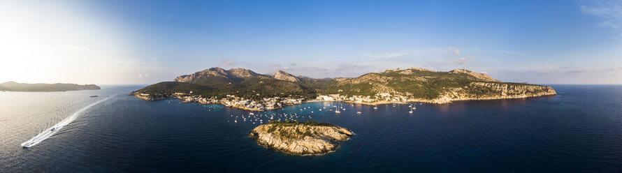 Spain, Balearic Islands, Mallorca, Aerial view of Bay of Sant Elm - AMF06105