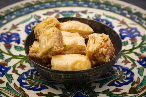 Baklava in a bowl, on plate - LVF07500
