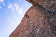 Man rock climbing, Smith Rock State Park, Oregon, USA - ISF20034
