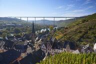 Germany, Rhineland-Palatinate, Bernkastel-Wittlich, Zeltingen-Rachtig, Uerzig, Moselle river, High Moselle Bridge - BSCF00581