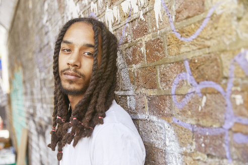 Young man with dreadlocks - LUXF02176