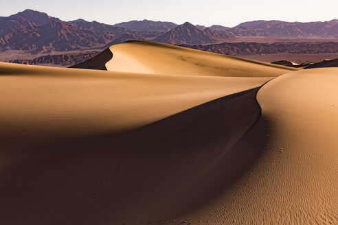 USA, Californien, Death Valley, Death Valley National Park, Mesquite Flat Sand Dunes - FCF01518
