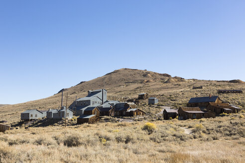 USA, California, Sierra Nevada, Bodie State Historic Park, gold mining town - FCF01594