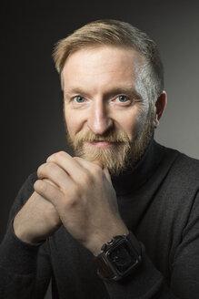 Portrait of blond man with full beard - VGF00089