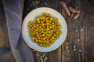 Bowl of roasted chickpeas flavoured with curcuma - LVF07535