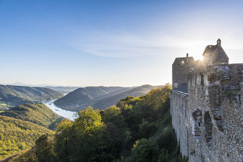 Austria, Wachau, Overlook from Aggstein castle over the Danube - RUNF00158