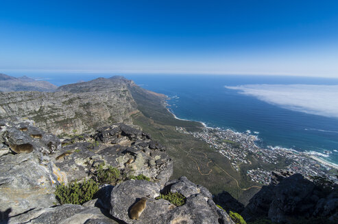 South Africa, view over Camps Bay, Cape Town, Table mountain - RUNF00186