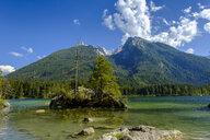 Germany, Bavaria, Upper Bavaria, Berchtesgadener Land, Ramsau, Berchtesgaden National Park, Lake Hintersee, Hochkalter mountain - LBF02186