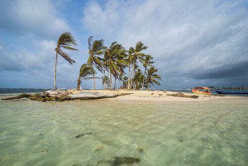 Panama, San Blas Islands, Kuna Yala, Achutupu island - RUNF00194