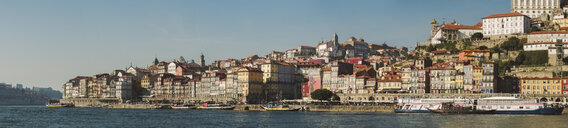 Portugal, Porto, Panoramic view of old town 'Ribeira' - RAEF02222
