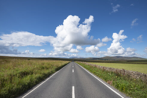 Great Britain, Scotland, Orkney, Mainland, A964 near Orphir - ELF01939