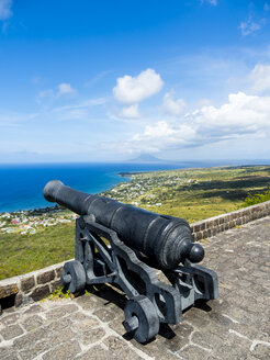 Caribbean, Lesser Antilles, Saint Kitts and Nevis, Basseterre, Brimstone Hill Fortress, old cannon - AMF06214