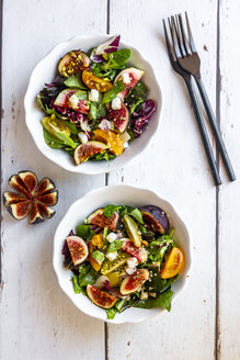 Mixed salad with fig, tomato, ham, cheese, pistachio - SARF03977