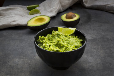 Guacamole with lime - LVF07553