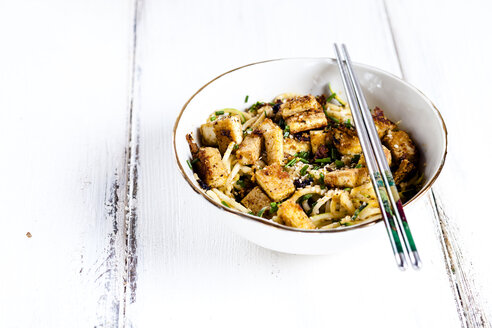 Bowl of zoodles with fried tofu - SBDF03858