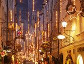 Austria, Salzburg, old town, Getreidegasse, Christmas lights - WWF04484