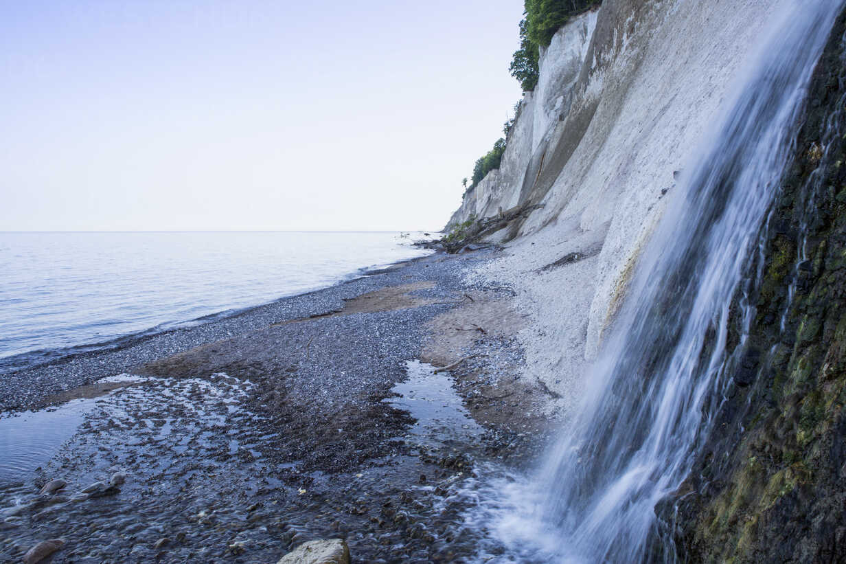 Germany, Mecklenburg-Western Pomerania, Ruegen, Jasmund National Park, chalk cliff and waterfall at 'Kieler Ufer' - MAMF00241 - Maria Maar/Westend61