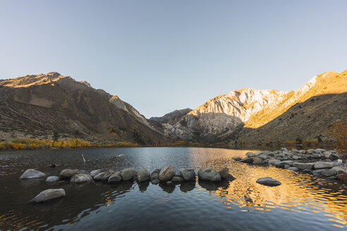 USA, California, Mammoth lakes, Convict Lake - KKAF03025