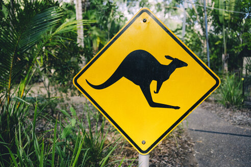 Australia, Magnetic Island, Kangaroo Animal Crossing Sign - GEMF02569