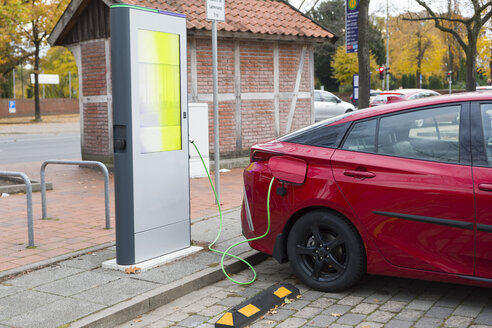 Germany, electric car recharging - KLRF00756