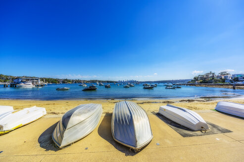 Australia, New South Wales, Sydney, Watson Bay, beach with boats - THAF02384