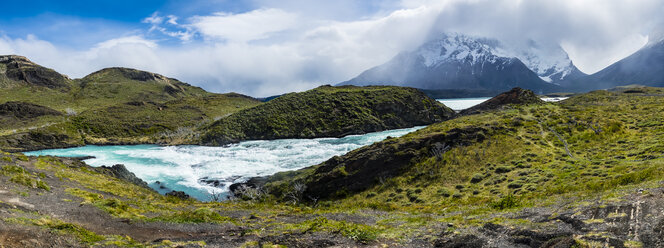 South America, Chile, Patagonia, View to Rio Paine, Torres del Paine National Park - AMF06296