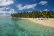 Cook Islands, Rarotonga, Aitutaki lagoon, white sand beach and palm beach - RUNF00279