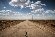 Landscape of a long road on a sunny day - INGF08207