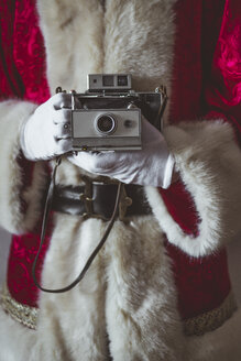 Santa Claus with vintage camera, partial view - JCMF00034