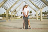 Girl with skateboard - ERRF00226