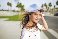 Portrait of girl with basecap - ERRF00229